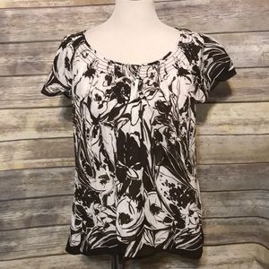 $5 SALE!! Brown floral top